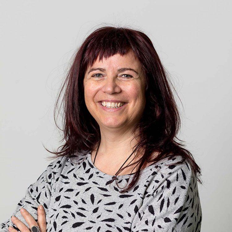 Erika Mair ist Mitarbeiterin des Vereins WIR