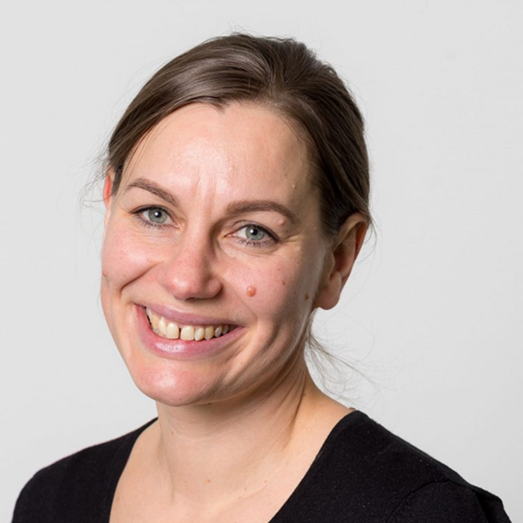 Kathi Kössler, Mitarbeiterin des Vereins WIR