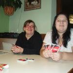 Gemeinsam Uno spielen in Schwaz